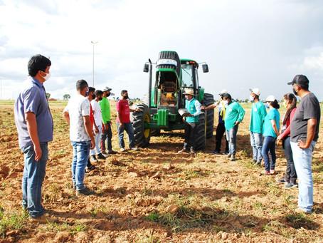 Curso presencial de trator agrícola encerra ciclo 2020 de treinamentos da Abapa