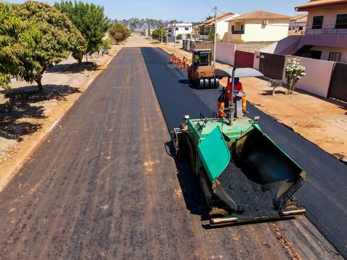LEM: Pavimentação no Mimoso foi retomada: mais de 10 mil m² de asfalto já foram concluídos