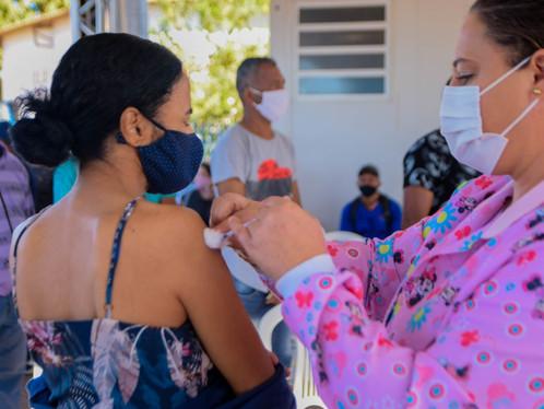 Vacinação exclusiva para 1° dose contra o Covid-19 nesta quarta-feira em Luís Eduardo Magalhães