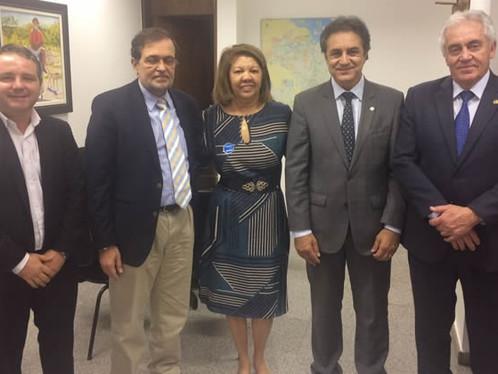 Oziel cumpre agenda em Brasília