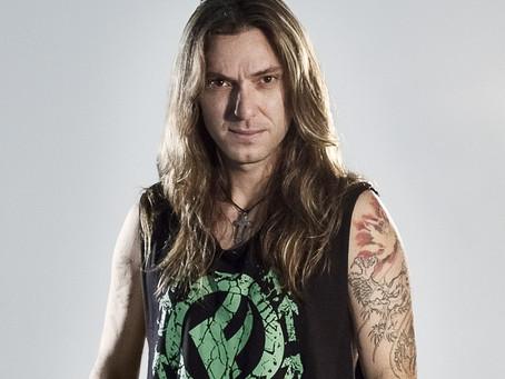 Uma das maiores vozes do rock pesado nacional fará show em Luís Eduardo Magalhães