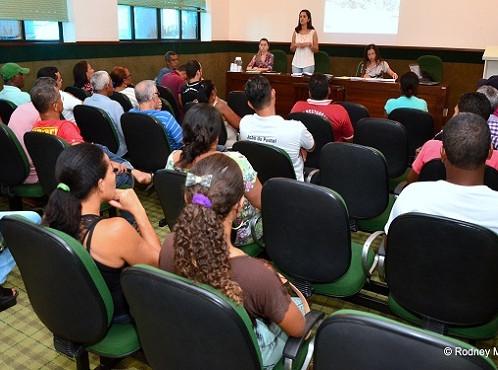 Secretaria de Agricultura reúne comerciantes do Mercado Municipal para propor reorganização do espaç