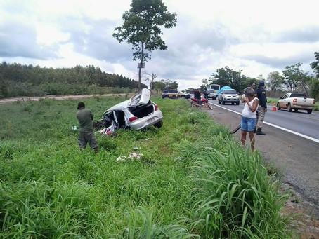 BR 242: Motorista perde controle do carro e morre após abrir água com gás