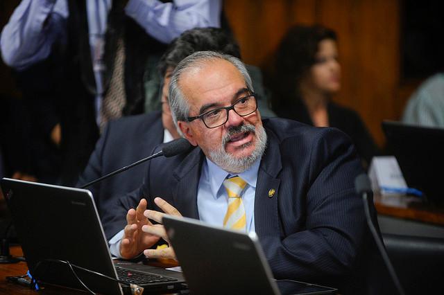 Senador Roberto Muniz