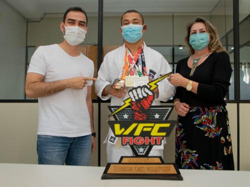 Campeão de Jiu-Jitsu, Hadson Rodrigo é recebido pelo prefeito Junior Marabá