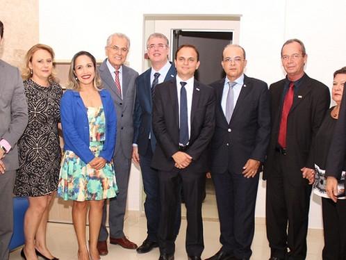 Prefeito Humberto Santa Cruz participa da inauguração da sede própria da OAB de LEM