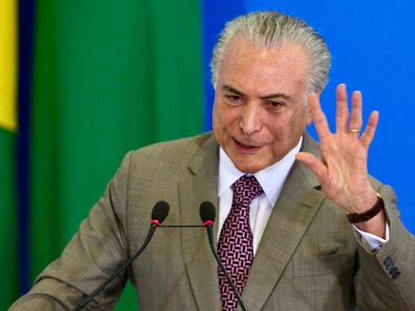 Bolsonaro conversa com Michel Temer para assumir o Itamaraty