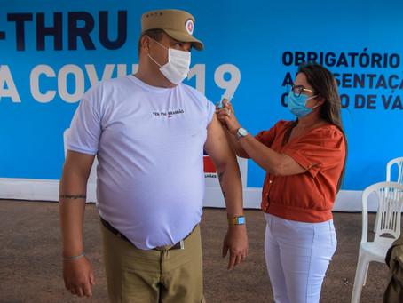 Policiais militares acima de 50 anos são vacinados contra Covid-19 em Luís Eduardo Magalhães