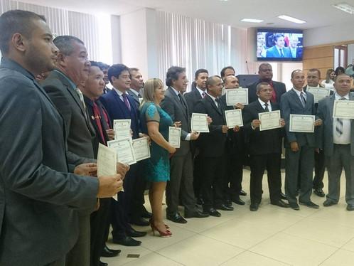Prefeito Oziel e mais 15 vereadores são diplomados nesta sexta-feira