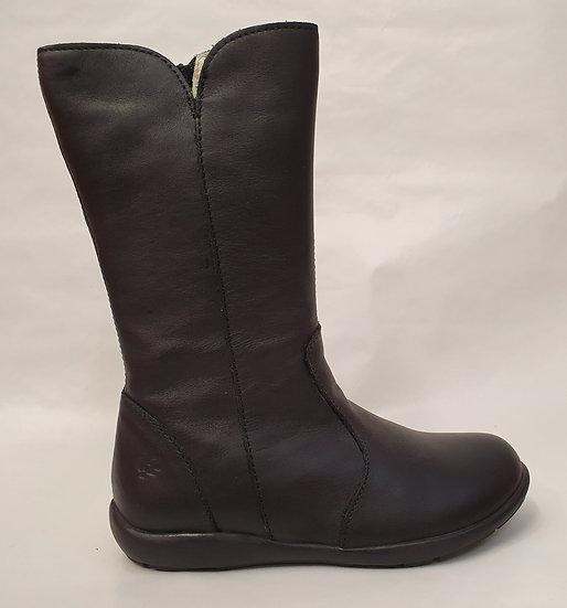 Primigi soft leather knee boot.