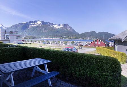 hytte_6_uteområde_og_utsikt.jpg