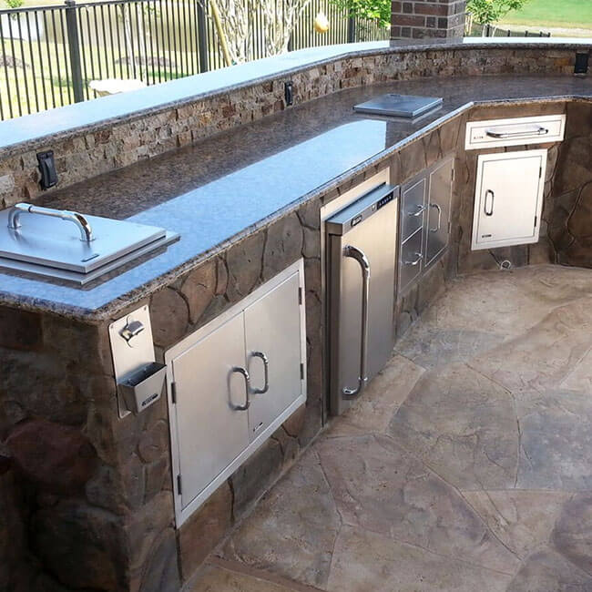 outdoor-stone-patio-kitchen