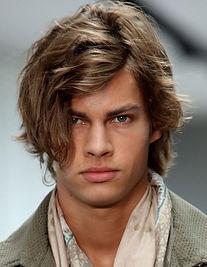 Taglio capelli uomo mezza lunghezza