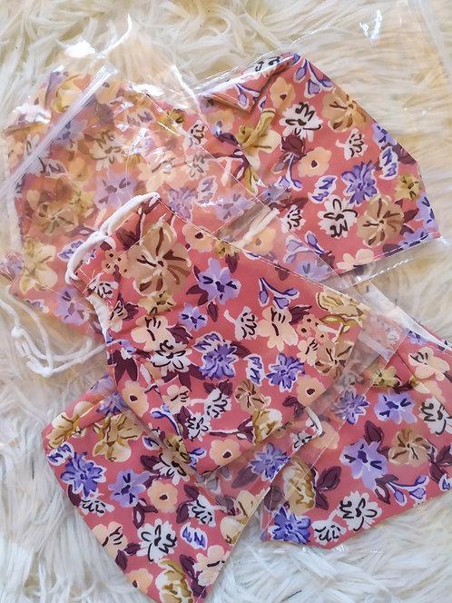 Mascherina in cotone con fiorellini