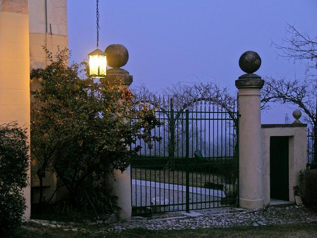 villa 14.jpg