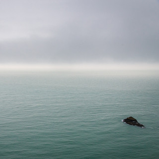 Between mist and waves