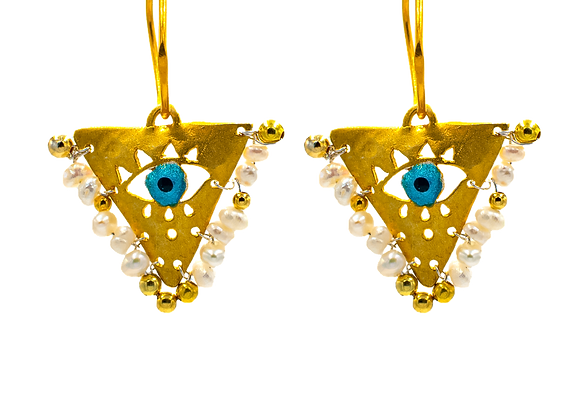 "Pearl White ""Fylachto"" Talisman Earrings in gold-pl"