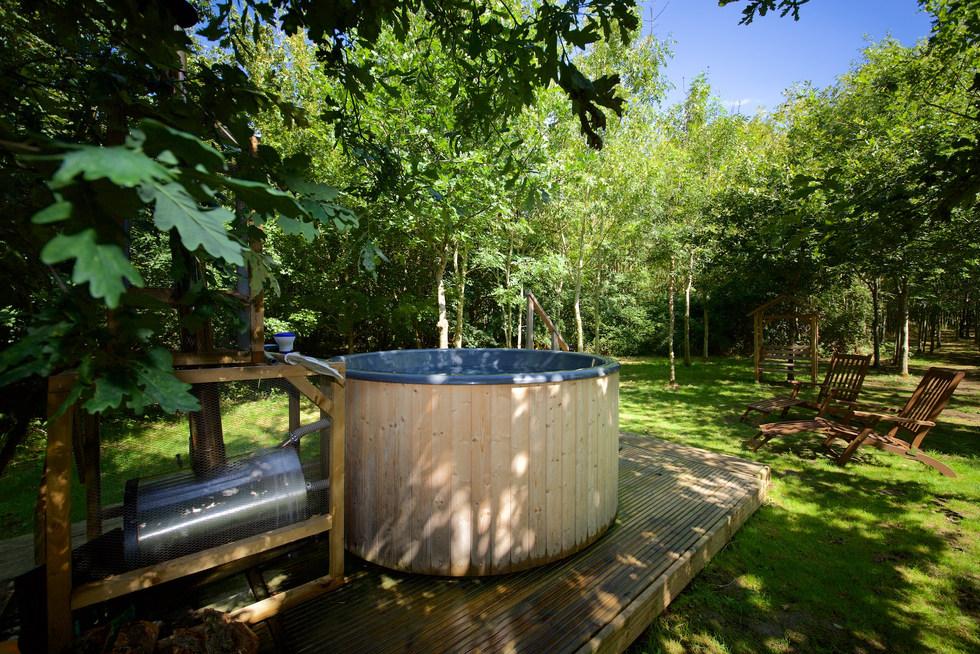 hot tub for rear woodland escape CGH PP.