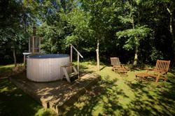 hot tub woodland escape CGH PP