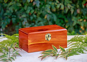 Aromatic-Cedar-Chest-Urn.jpg