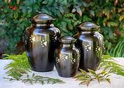 Paw-Print-Vase-Urn.jpg