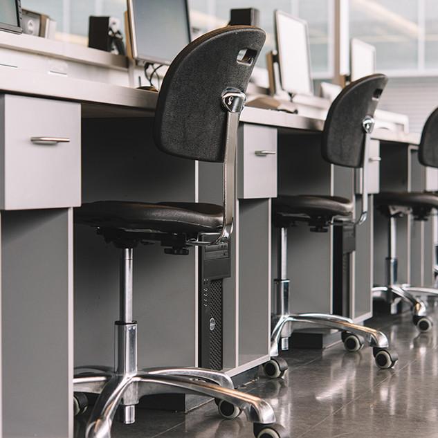 Lab Stools / Workstations