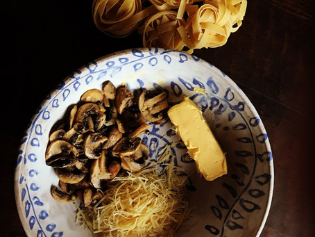 Simple Fettuccine with Mushrooms