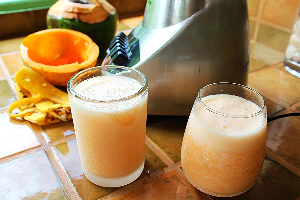 Cantaloupe,Banana, Coconut Water Smoothie