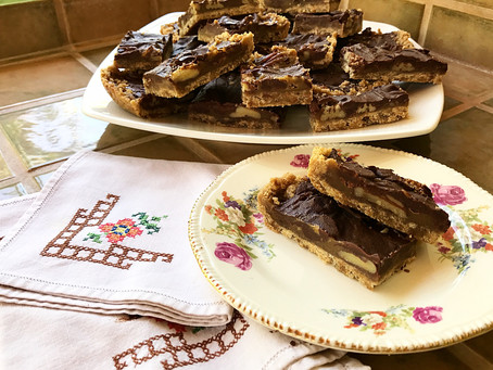 Brown Sugar Shortbread Crust Bars with Chocolate, Carmel and Pecans