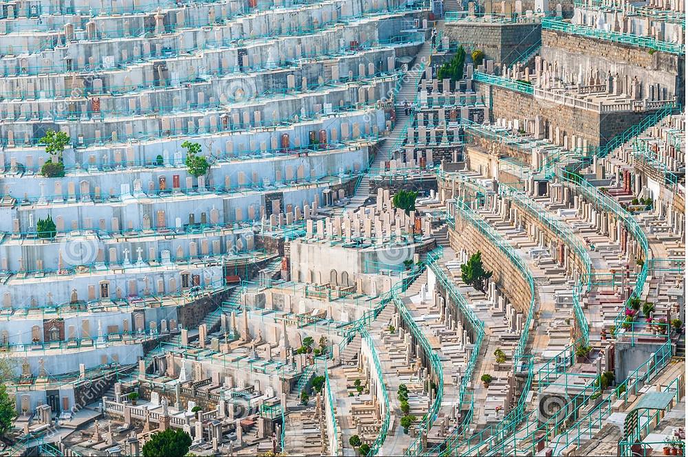 Graveyard in Hong Kong (Photo Credit: Hei Au Yeung)