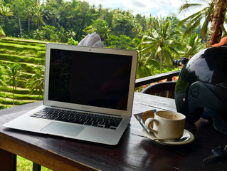 Upsides and Downsides of the Digital Nomad Lifestyle