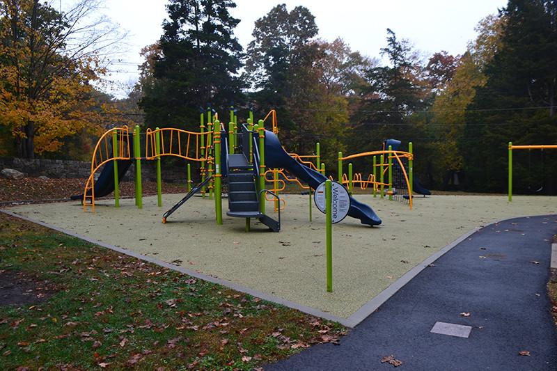 Chestnut Hill Park, Stamford_CT_Play Equipment