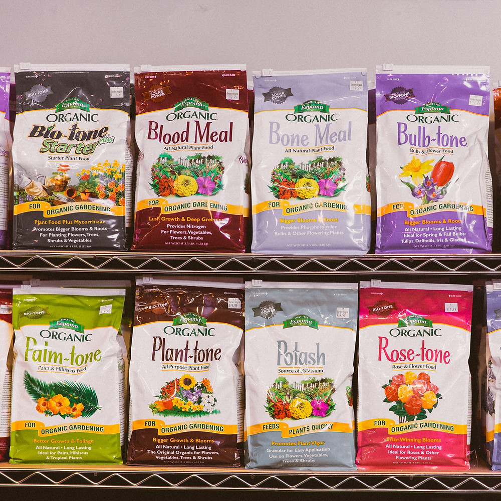 Raised bed fertilizers and soil amendments from Garden Heights Nursery in St. Louis that's perfect for vegetable gardening.