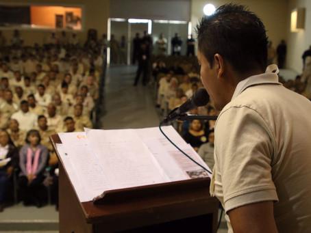 Reo zapoteco gana concurso de poesía