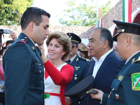 Personal militar recibe ascensos