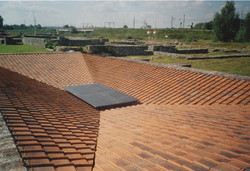 Disorientating a Roof