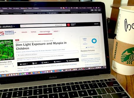 Влияние слабого освещения на рост близорукости