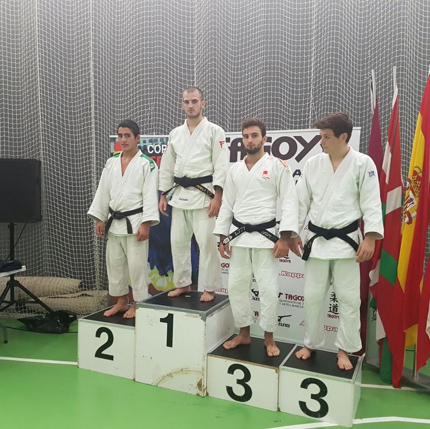 podium de amurrio16