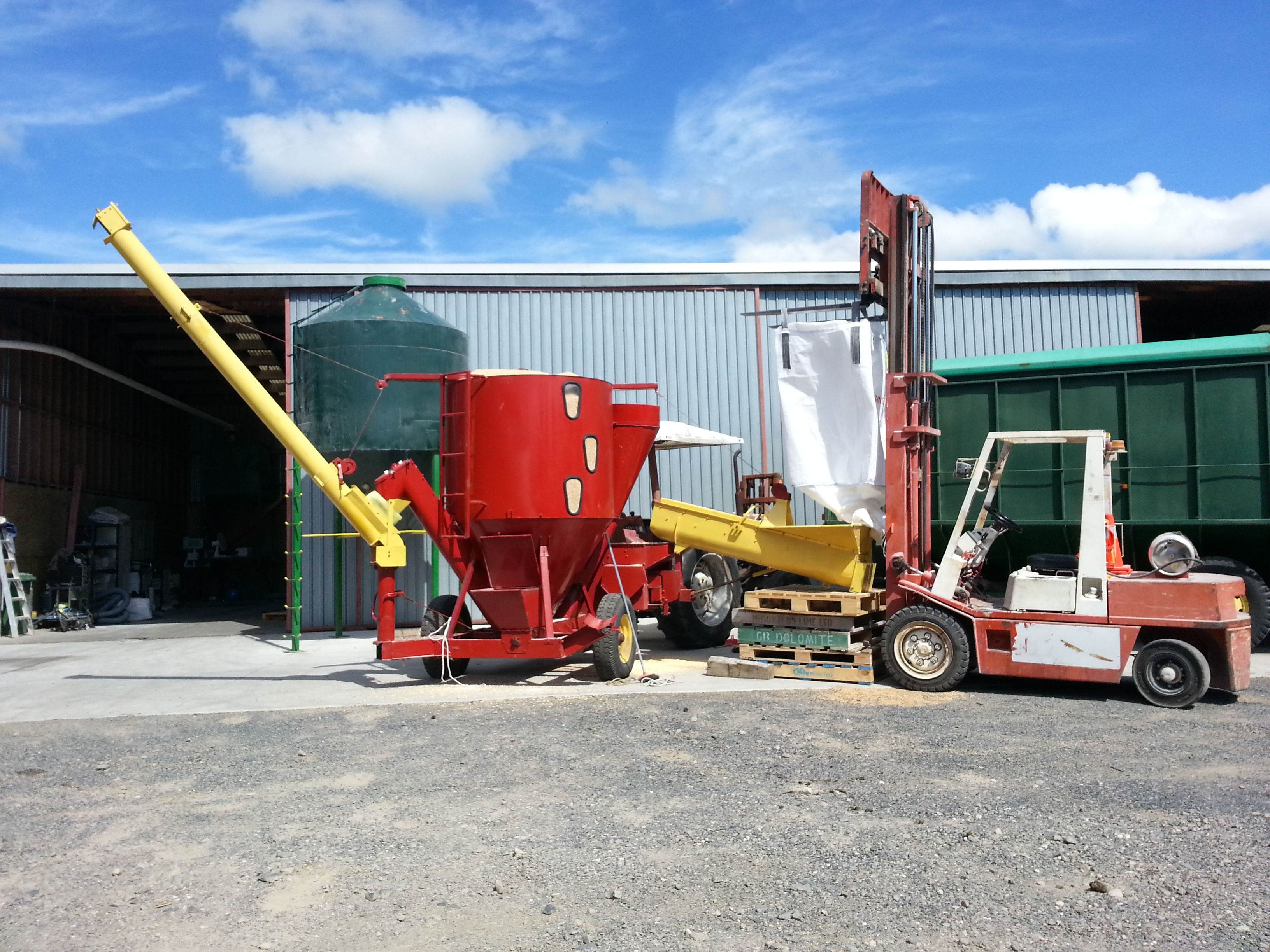 Grinder/mixing mill