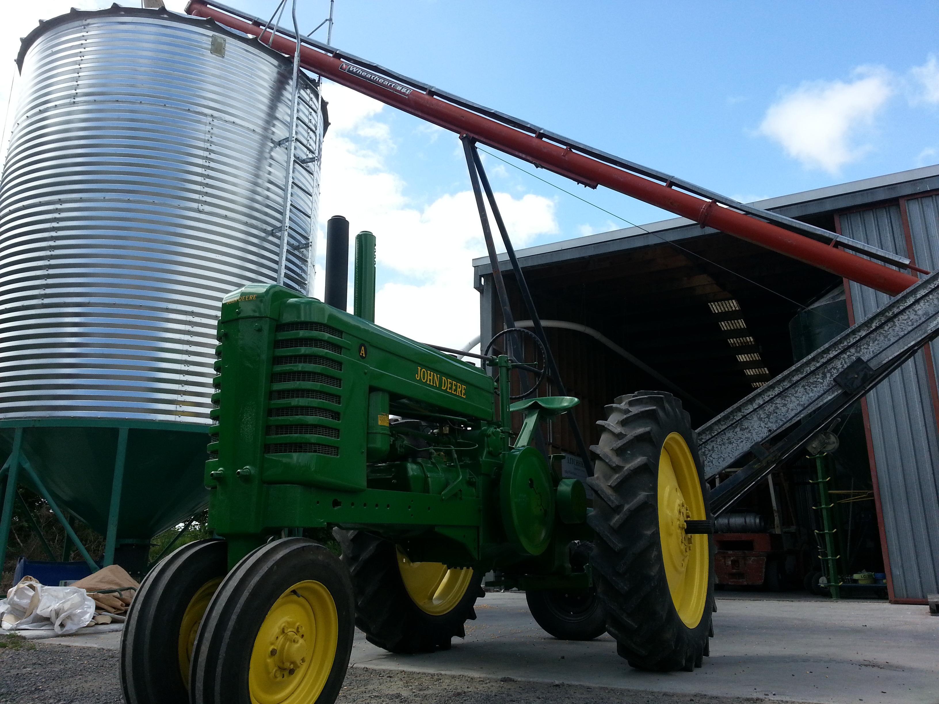 Loading the silo