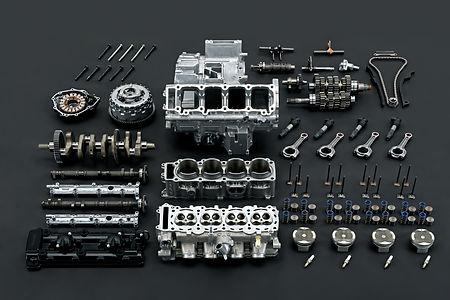 gsx1300rrqm2_disassembled_parts_3.jpg
