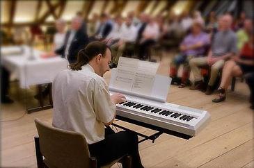 DJ-Fil-Piano.jpg