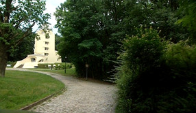 mendelsohn building.jpg