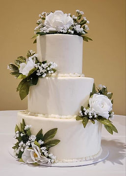 Wedding Cake white with floral.jpg