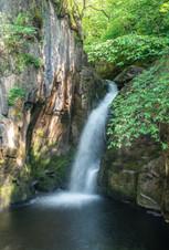 waterfall2_2.jpg