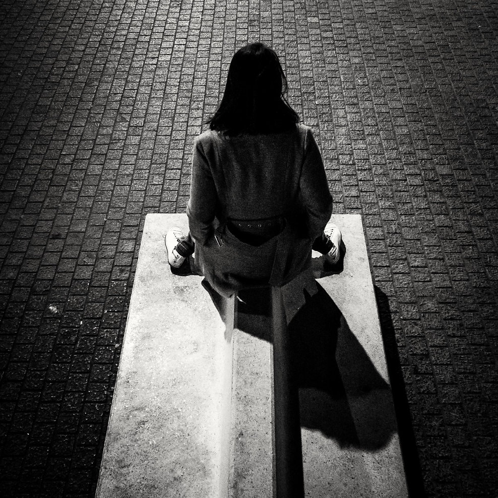 street_city_eve_shadow_brussels_people_b
