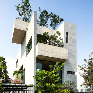 Concrete house green roof2.png