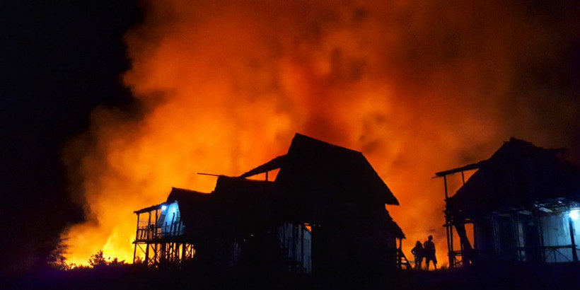 house-on-fire-panorama.jpg