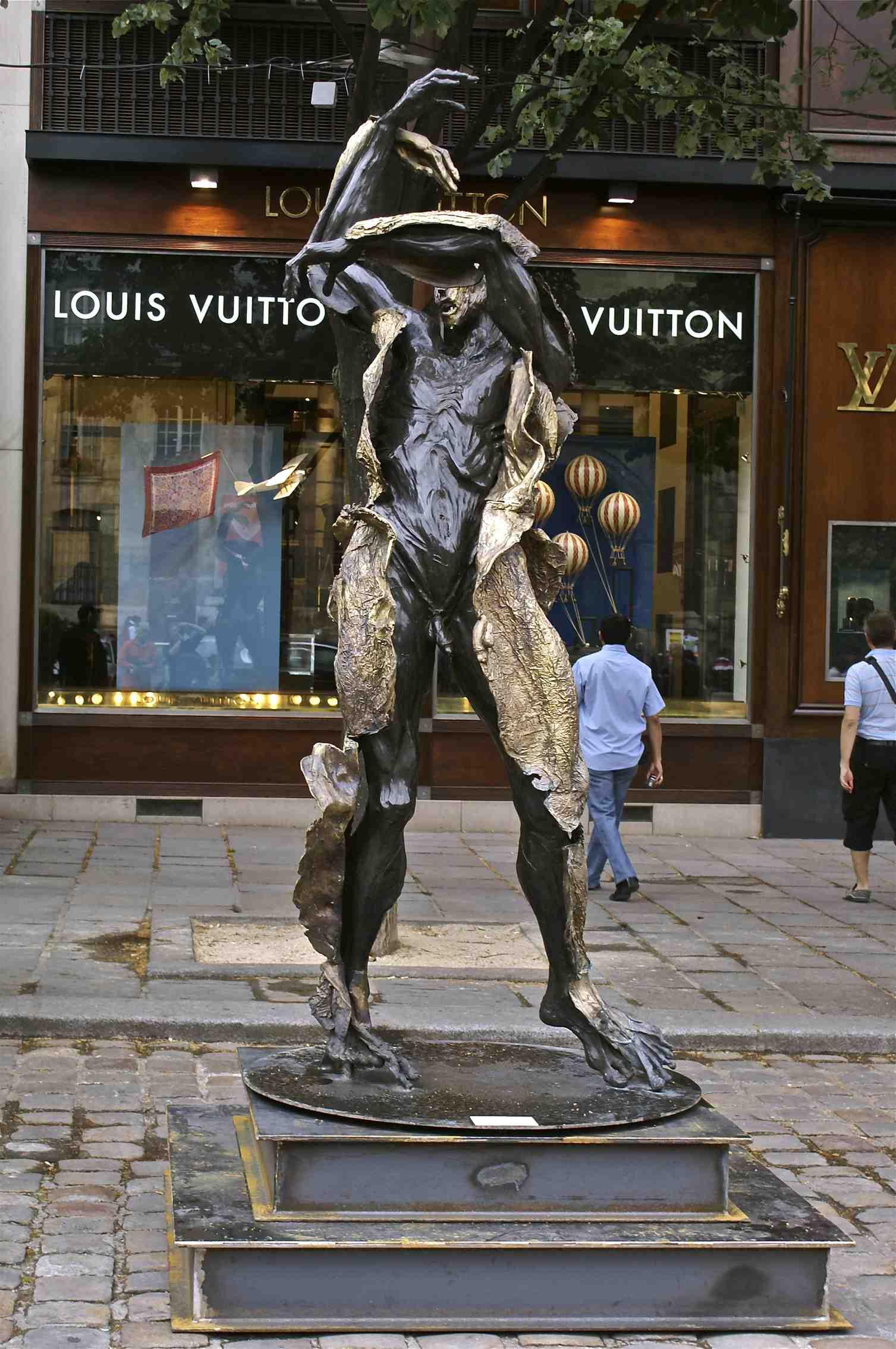 Exposition Paris 2011.jpg