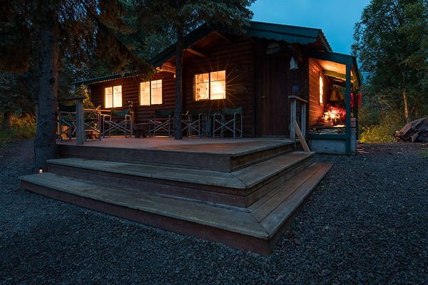 Fishing-Bear-Lodge-1400-px-32-768x512.jp